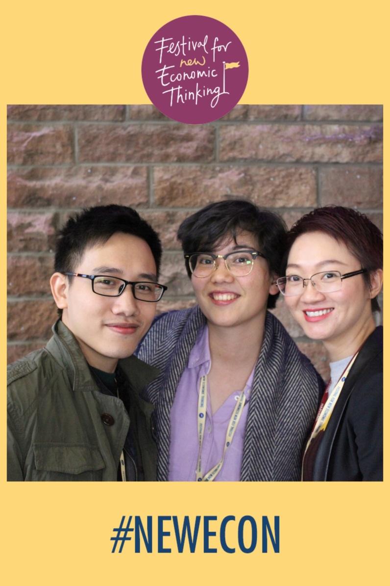 Ông Trần Mạnh Cường (bên trái) cùng bà Laurene Tran (PEPS-Economie) (ở giữa) và bà Nguyễn Tuệ Anh (Đại học Harvard) (bên phải)